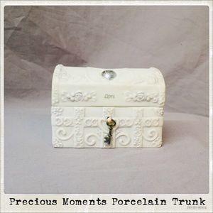 Precious Moments Porcelain Trinket Trunk 🙏🏻